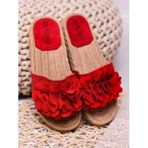 Pohodlné dámske červené šľapky s ozdobnými kvetmi