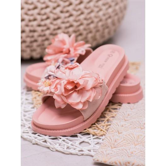 Štýlové dámske ružové šľapky na gumenej platforme s vintage designom