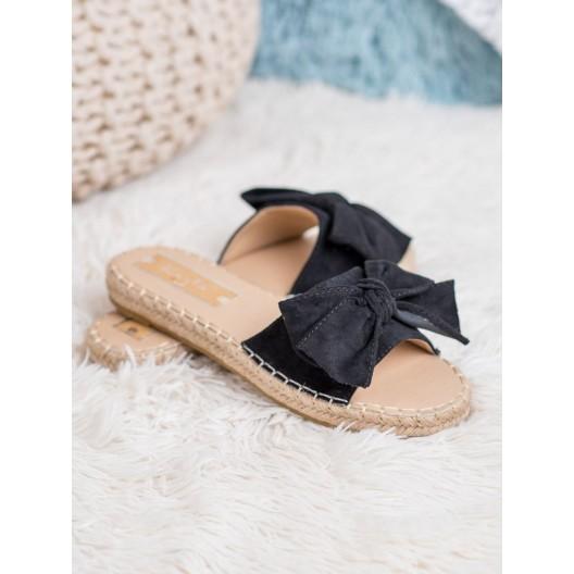 Originálne dámske semišové šľapky v čiernej farbe s trendy pletencom