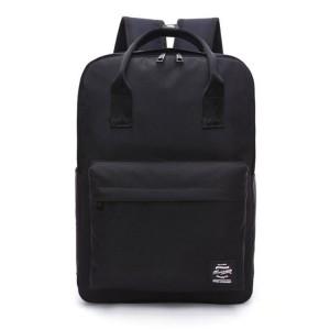 Športová taška na chrbát v čiernej farbe