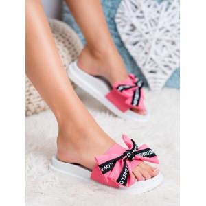 Štýlové dámske šľapky na gumenej platforme a s ružovou mašľou LOVE