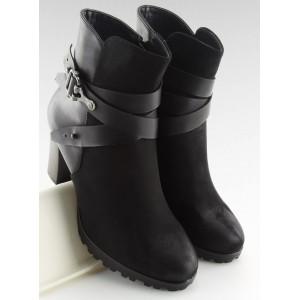 Štýlové dámske členkové topánky v čiernej farbe