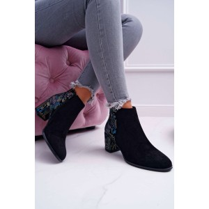 Štýlové dámske členkové topánky čiernej farby s ornamentom