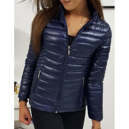 Dámska prechodná bunda modrej farby s elegantným prešívaním