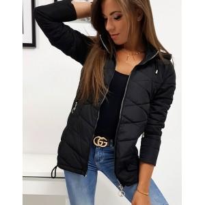 Čierna trendová bunda na jeseň s kapucňou a prešívaním
