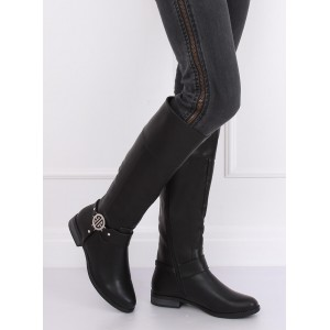 Dámske čierne čižmy pod kolená na nízkom podpätku