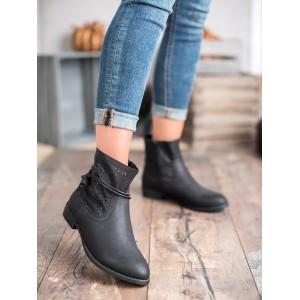Moderné dámske členkové topánky v čiernej farbe