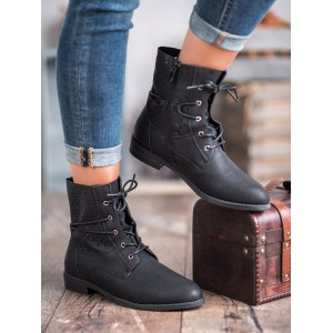 Kotníkové dámske topánky v čiernej farbe
