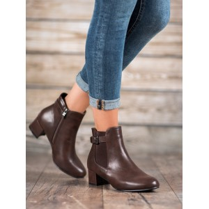 Dámske členkové topánky na opätku