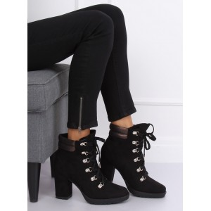 Čierne dámske kotníkové čižmy na platforme a s trendy viazaním