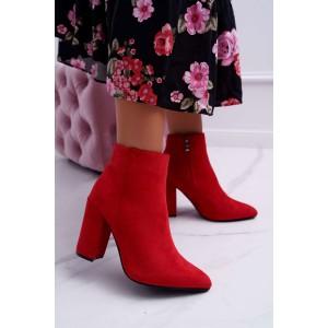 Štýlové dámske červené semišové kotníkové čižmy na hrubom opätku