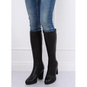 Moderné dámske čižmy pod kolená v čierne farbe na módnom opätku