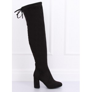 Trendy dámske čierne semišové čižmy nad kolená na vysokom opätku