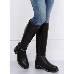 Dámske čierne čižmy pod kolená s ozdobným remienkom s cvokmi