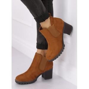 Klasická dámska členková obuv na hrubom podpätku
