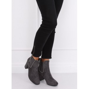 Dámske členkové topánky s aplikáciou vo forme strieborných guličiek
