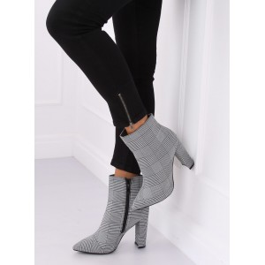 Dámska členková obuv s unikátnym kockovaným vzorom
