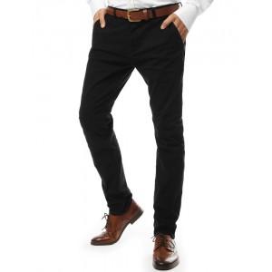 Štýlové nohavice chino v čiernej farbe