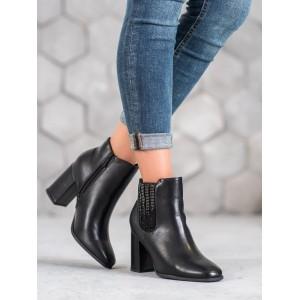 Elegantné dámske čierne kotníkové topánky na vysokom opätku