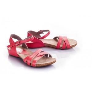 Dámske sandále červenej farby s otvorenou špičkou