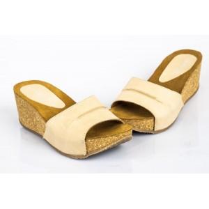 Kožené dámske sandále béžovej farby