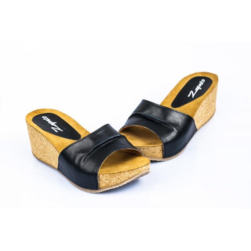 4d3a6fa0a8 Elegantné dámske kožené sandále čiernej farby - fashionday.eu