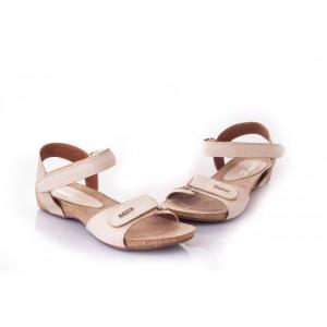 Moderné dámske sandále v béžovej farbe