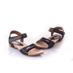 Dámske sandále v čiernom prevedení