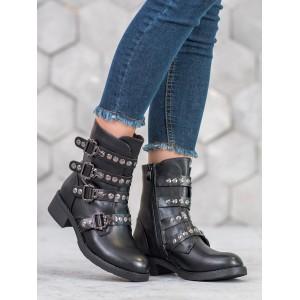Čierne členkové topánky s prackami a zapínaním na zips