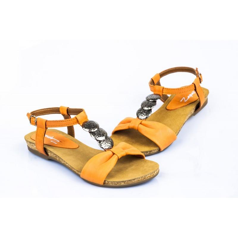 a27457f7707e Dámske oranžové sandále s elegantnými prvkami - fashionday.eu