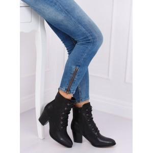 Dámska členková obuv čiernej farby na vysokom podpätku