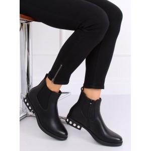 Dámske čierné kotníkové topánky na nízkom podpätku