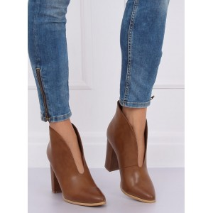 Hnedé dámske kotníkové topánky na jar