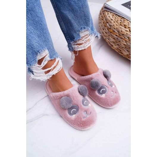 Papuče so vzorom pandy v ružovej farbe