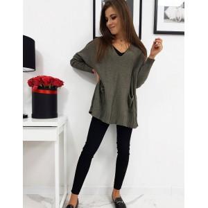 Zelený dámsky sveter s véčkovým výstrihom