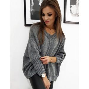 Dámsky pletený sveter s okrúhlym výstrihom v sivej farbe