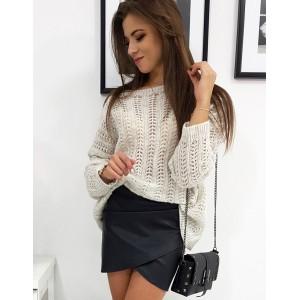 Moderný dámsky sveter v béžovej farbe