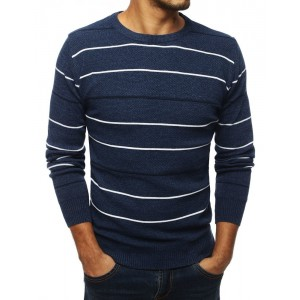 Modrý sveter pre pánov na zimu