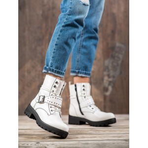 Biele dámske kotníkové topánky na viazanie