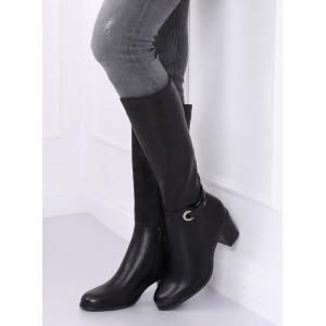 Štýlové dámske čižmy na podpätku v čiernej farbe
