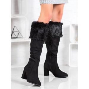 Čierne dámske čižmy s kožušinou na vysokom podpätku