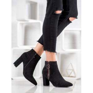 Štýlové dámske topánky na zimu v čiernej farbe