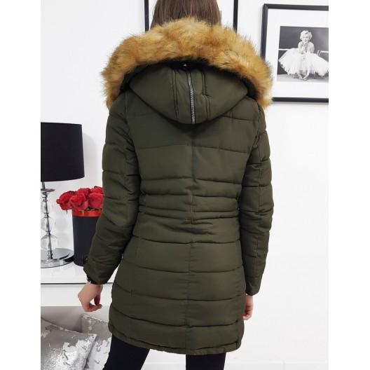 Prešívaná dámska zimná bunda v zelenej farbe