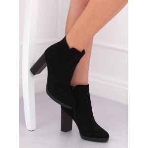 Vysoké dámske kotníkové topánky v čiernej farbe