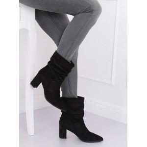 Dámske členkové topánky semišové v čiernej farbe