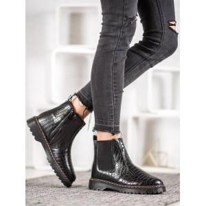 Dámska zimná obuv v čiernej farbe