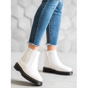 Moderné dámske topánky na platforme v bielej farbe