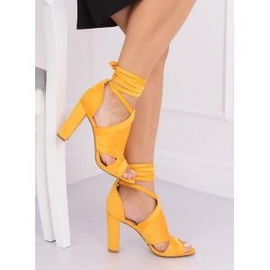 Žlté dámske semišové sandále na vysokom podpätku