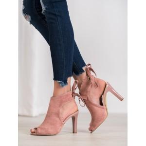 Semišové členkové topánky na vysokom podpätku ružovej farby