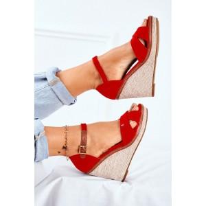 Semišové dámske topánky v červenej farbe na podpätku